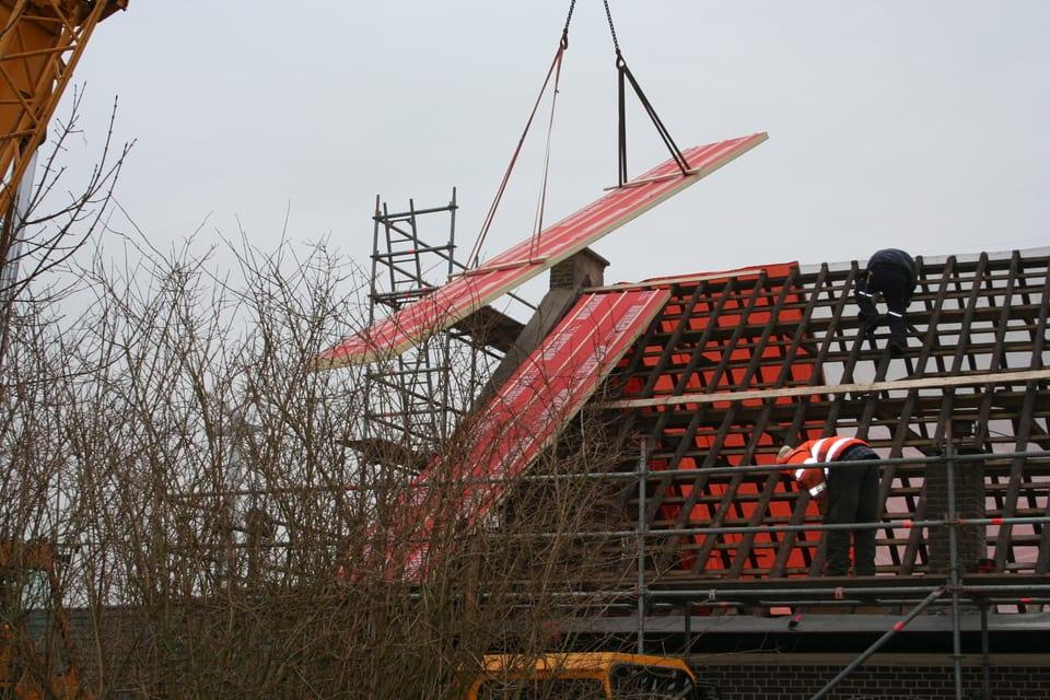Het_dak_wordt_gerenoveerd